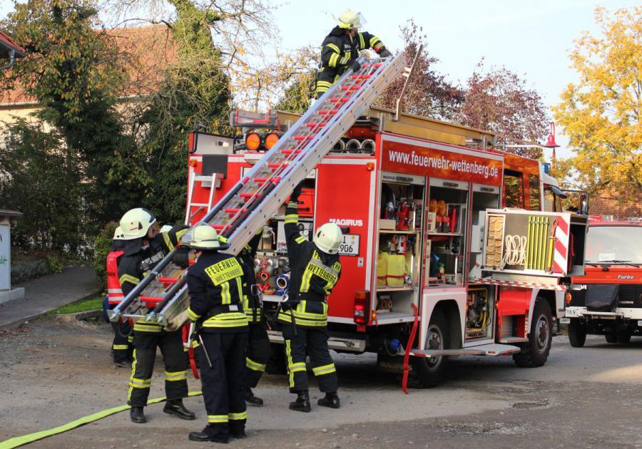 Freiwillige Feuerwehr Wettenberg Abschlussubung Am Hotel Schone