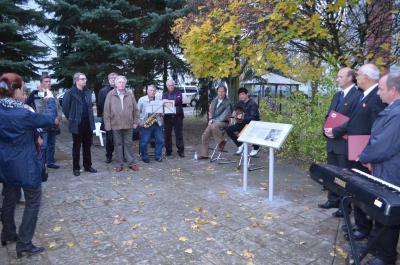 Foto zu Meldung: Gedenktafel für die Widerstandskämpferin Galina Romanowa eingeweiht