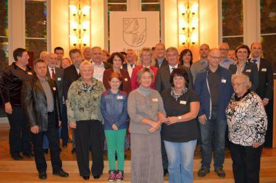 Die Nominierten zum Falkenseer Bürgerpreis 2014 mit den Jurymitgliedern und Bürgermeister Heiko Müller