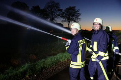 Foto zu Meldung: Realbrand vor 10 Jahren als Anlass für Großübung