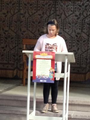 Foto zur Meldung: Maria liest beim Vorlesewettbewerb in Aschersleben