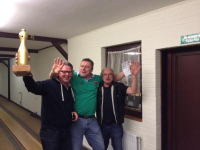 Foto zur Meldung: Dorfpokalkegeln 2014:  Wallu's Hütte rockt