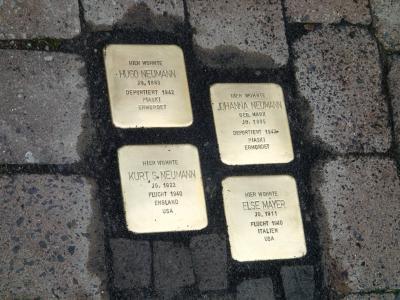 Foto zur Meldung: Erste  Verlegung von Stolpersteinen in Nauheim