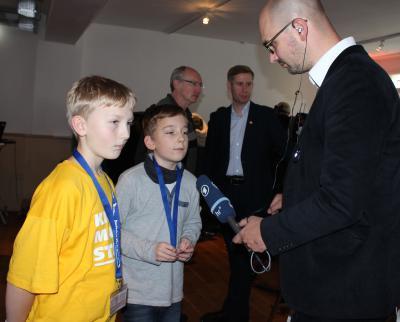 Foto zur Meldung: KiJuPa Nauheim aktiv: Kinder stark machen - Kinder sind unsere Zukunft findet grosses Medienecho