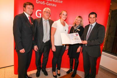 Foto zur Meldung: Bürgermeister a.D. Hermann Reitz posthum bei der Verleihung des Deutschen Bürgerpreises geehrt