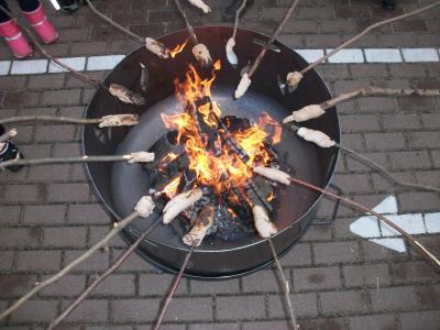 Foto zur Meldung: Advent, Advent, die Feuerschale brennt
