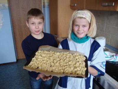 Foto zur Meldung: Kuchen für die Friedrichsauer Senioren