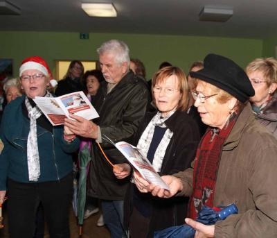 Foto zu Meldung: Erstes Weihnachtssingen in Rehfelde