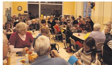 Foto zur Meldung: Oma-Opa-Fest der Klasse 1b