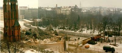 Versöhnungskirche nach der Sprengung des Kirchenschiffs am 22. Januar 1985/ Foto: Archiv Gemeinde