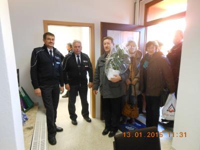 Foto zur Meldung: Herzlich willkommen den beiden Regionalsbereichsbeamten der Polizei.