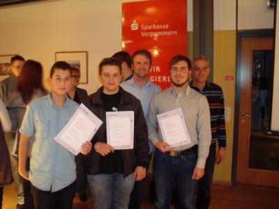 Foto zur Meldung: IGS-Schüler und -Lehrer sind Gewinner beim Börsenspiel der Sparkasse