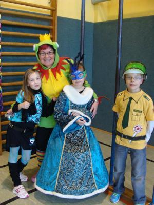 Foto zur Meldung: Carnevale in der Turnhalle