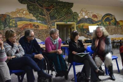 Die Runde wünschte sich mehr Wissen über gute Beispiele aus anderen Kommunen, um das Rad nicht neuerfinden zu müssen.