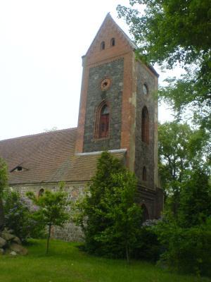 Foto zur Meldung: Kirchensanierung auf neuen Wegen: Laufen für eine neue Fassade