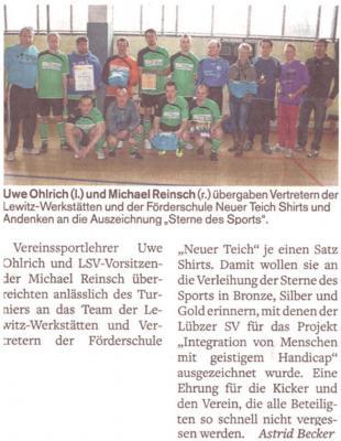 Foto zu Meldung: Übergabe Sportshirts an Schule am Neuen Teich Lübz