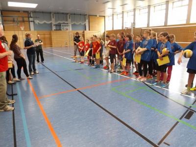 Foto zu Meldung: Kreisfinale Volleyball Jugend trainiert