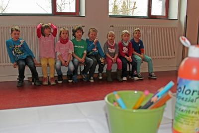 """Foto zur Meldung: Calauer Schulanfänger im """"Rausch der Farben"""""""