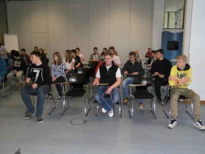 Foto zur Meldung: Bewerbungstraining der Klassen 9a/b der Grund- und Oberschule Schenkenland