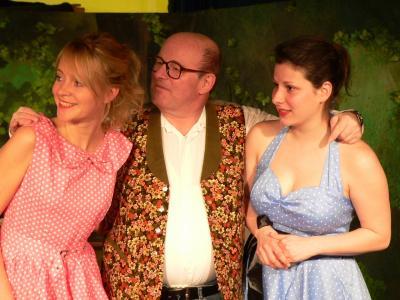 Vorschaubild zur Meldung: Petticoats machen Lust auf Sommertheater