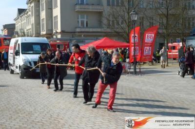 Foto zur Meldung: Kraftakt zugunsten der Jugendfeuerwehr