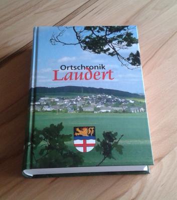 Die Chronik: 800 Seiten Laudert!