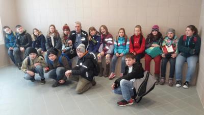 Foto zu Meldung: Die Klasse 5a besuchte die Polizeiwache in Rathenow