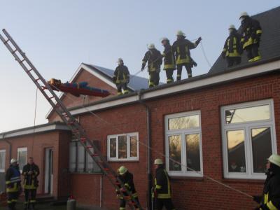 Vorschaubild zur Meldung: Übung der Freiwilligen Feuerwehren aus Klixbüll und Tinningstedt