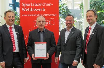 Foto zur Meldung: TSG Kraftwerk Boxberg/Weißwasser erneut im Sportabzeichen Wettbewerb ausgezeichnet
