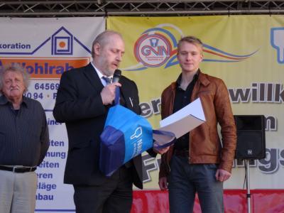 Foto zur Meldung: Sportlerehrung für Daniel Gescheidle und die B-Jugend des SV 07 beim Frühlingsfest