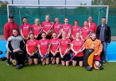 Foto zur Meldung: Hockey: Auftaktsieg der Potsdamer Hockeydamen
