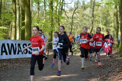 Foto zur Meldung: 13.EURAWASSER Waldlauf - Streckenrekorde purzelten