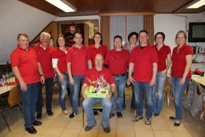Der neue aktuelle Vorstand des Verschwisterungsvereins Wenings-Nucourt mit Michael Heusohn, der dem Vorstand nicht mehr angehört.