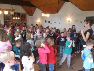 Foto zur Meldung: Viele interessierte Kinder bei 8. Kinderbibelwoche