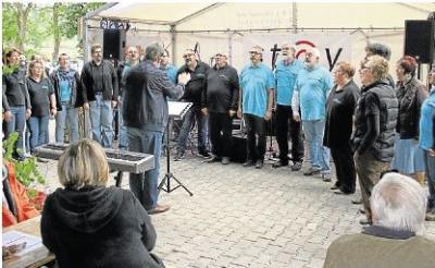 Foto zur Meldung: Außergewöhnlicher Chorabend im rustikalen Ambiente wird zum Erfolg