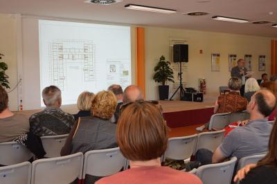 """Vorschaubild zur Meldung: Landkreis informierte über den Neubau einer Asylbewerberunterkunft """"An der Lake 1"""" in Falkensee"""