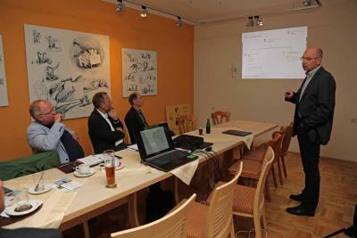 Foto zur Meldung: 18. Arbeitskreissitzung Thema Netzsituation und Perspektiven in Schaumburg