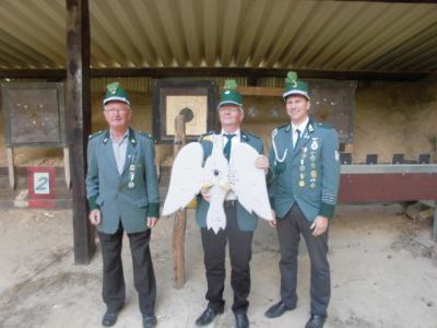 Foto zur Meldung: Wilfried Dornbusch ist Schützenkönig 2015
