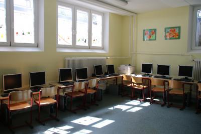 Foto zu Meldung: Neue Computer für die Grundschule Steinhausen