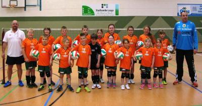 Foto zur Meldung: Training der Volleyballkinder des SC Laage