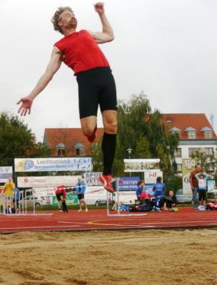 Foto zur Meldung: 44. Nieskyer Mehrkampfmeeting mit LM 10-/7-Kampf Senioren