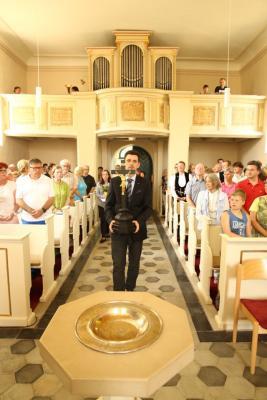 Vorschaubild zur Meldung: Meseberger Kirche verjüngt