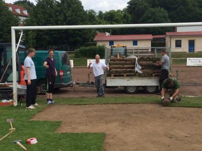 Foto zur Meldung: Verein / Neuer Rasen für den PFC - ES IST VOLLBRACHT