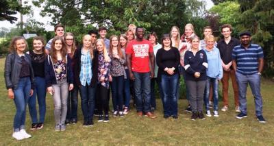 Foto zur Meldung: IGS Schüler waren im Rahmen des BeLonGer Projektes zu Gast an britischer Schule