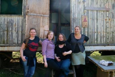 Foto zur Meldung: Das Team der Fachstelle in Klausur