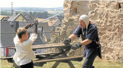 Foto zur Meldung: Gottesdienst und Schwertduell