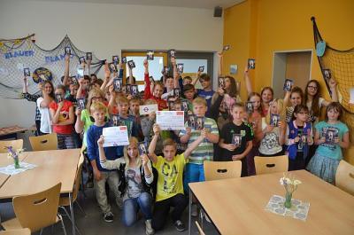 Foto zur Meldung: Nichtraucher-Klassen freuen sich über Prämien für die Klassenkasse