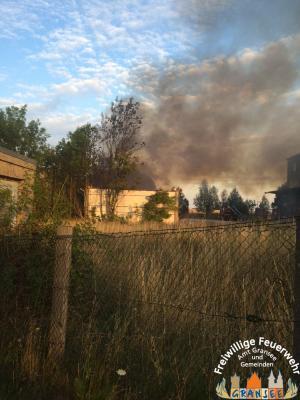 """Foto zu Meldung: Großbrand bei """"Alter Brotfabrik"""" in Gransee - ehem. Garagenkomplex ausgebrannt"""