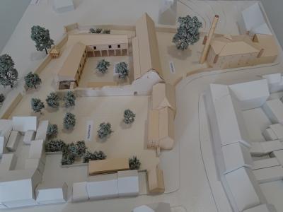 Modell des geplanten Kulturstandorts Klosterviertel Kyritz im Bürgerbüro zu sehen