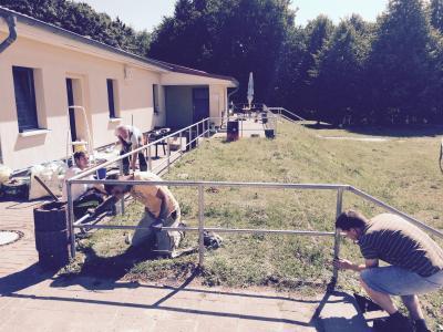 Foto zur Meldung: Verein / Arbeitseinsatz auf dem Sportplatz